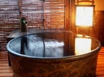 露天風呂付客室【葵(あおい)】はご夫婦やカップルに大人気!!