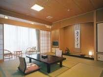 四季彩の宿花椿の和室。全室オーシャンビューでお部屋から小浜湾をご覧いただけます