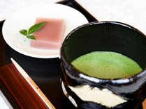 *チェックインの際にお出ししているお抹茶とお茶菓子も好評です。
