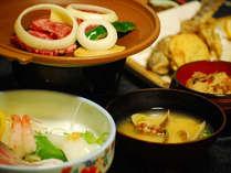 ◎ご夕食例◎お刺身や川魚、地元の野菜を使った家庭的なお料理が並びます。嬉しいお部屋食です♪