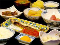 ■夕食一例■夕食は基本和定食をご用意致します。ちょっと洋風のお料理を盛り込んでいることも♪
