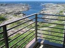 ベランダより 長津呂湾を眼下に 天気のいい日は房総、大島、伊豆天城、も見えます。