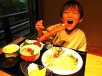 【選べるお子様食】お子様向けのお食事をご用意しております。和食、洋食よりお選びいただける。