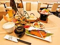 【夕食付】地元の食材を使った日替わりの夕食付プラン!【アパは映画もアニメも見放題】