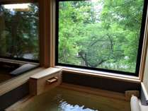 2015年7月、売夏亭が半露天風呂付きになってリニューアルオープン!四季折々の景色を眺めながら湯ったり…