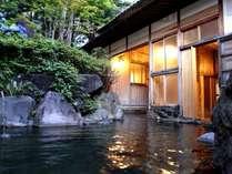 清遊亭「露天風呂」。非加熱・非加水、正真正銘本物の源泉100%掛け流し!