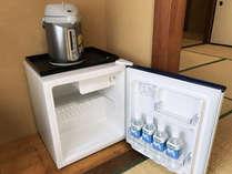 【☆部屋☆】各客室にはポット、冷蔵庫を完備!飛騨の銘水をプレゼント♪