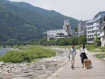 【ご散策】飛騨川沿いのお散歩は爽快な解放感!