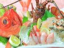 プリプリ甘みのある伊勢海老の刺身と金目鯛のしゃぶしゃぶ