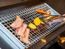 お魚や野菜やウインナーをその場で焼いてお召し上がり頂けます♪