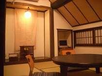 隠れ家のような6畳和室