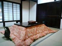 *【和室8畳(一例)】冬は嬉しいコタツ付きの8畳間♪