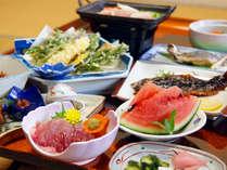 *(夕食一例)季節に合わせた旬の田舎料理をお召し上がりください。