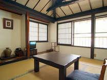 *和室6畳(一例)ノスタルジックな古民家の和室