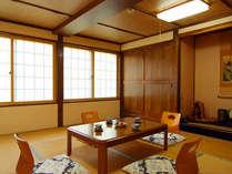 *和室10畳(さつき)ファミリーやグループにも♪広々とした客室です。