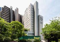 大崎駅から「シンクパークタワー」を越えると当ホテルです。