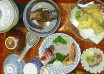 夕食です。その日取れた新鮮なお魚をお召し上がり頂けます。