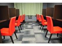 ディスクワーク・書類の整理等、多目的にご利用頂けるビジネスコーナーを新設!