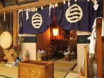宿内にある御神殿。高山坊は古くから戸隠にある歴史ある宿坊です。