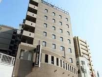 ◇ホテル外観◇博多駅から徒歩8分、福岡空港から車で15分