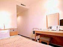 ■客室:シングルルームは10平米