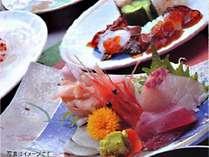 魚介たっぷりの会席料理(夕食一例)