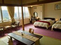 【和洋室】和室7.5畳+ベッド2台の広々とした上層階のお部屋です。