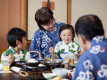家族みんなで部屋でゆっくり楽しく食事もしていただけます。