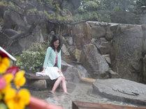 【足湯】中庭のほっこり足湯も温泉です。じっくりと長風呂も可能♪