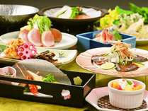 鴨鍋に鮭と野菜のちゃんちゃん焼き等、お手軽会席をお楽しみください。