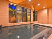 大浴場でゆっくり旅の疲れを洗い流してください。※温泉ではありません。