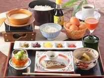【朝食】手作り汲み豆富、焼き魚、京丹波産 新鮮葉酸たまごは栄養満点!たまごかけご飯がオススメです!