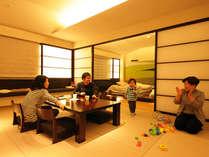 ウェルカムベビー認定のフォレストスイートルーム。ひろ~いお部屋は3世代でのご利用もオススメです。