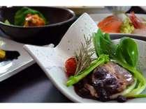 【4月5月ご夕食】ブルーベリーソースでさっぱりと召し上がれます。