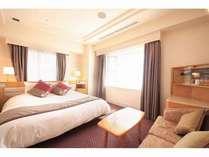 【DXダブル】 30㎡|180cm幅ベッド|最上階で夜景も楽しめる♪キングサイズベッドで広々ゆったり!
