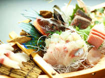◆舟盛プラン◆旬を集めた自慢の地魚を舟盛りに