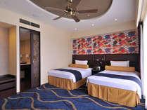 スーペリアツイン (36.7平米)沖縄の自然をモチーフにした華やかさあふれる客室。
