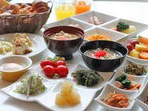 フォンテーヌ   朝食ビュッフェ沖縄食材メニューも並びます