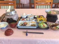 【朝食一例】しっかり食べて元気よく1日をスタート(201610~)