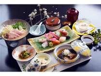 【2食付】夕食は自慢の「お刺身コース」! 源泉かけ流し温泉を満喫♪ <夕・朝食付>
