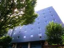 ホテルの前には公園があります。柏木公園。