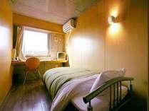 シングルA。シンプルで格安なお部屋です。