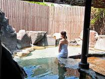 霧島でも屈指の美人の湯。つるつるスベスベの驚きの泉質を是非ご堪能下さいませ。