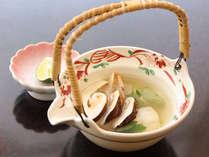 【松茸土瓶蒸し一例】松茸の香りをお楽しみください。