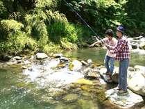 大人気の【渓流釣り体験】体験付き宿泊プランだけではなく、釣り体験のみでもOK!
