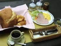 【2食付】焼きたてパンの朝食!季節の料理をたっぷりと! おふくろの味お腹いっぱいプラン。