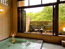 別邸-神楽-■貸切露天風呂■包み込まれるようなまろやかな温泉