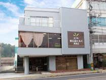 BBHグループ「ホテル東広島ヒルズ西条店」の外観です!