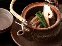 「食欲の秋」に料理自慢の迎賓館常茂恵のお料理をお召し上がりにこられませんか?