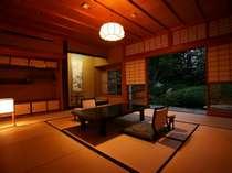 総檜造りの数奇屋造りの純和風、日本庭園眺望、離れの特別室(10帖+4.5帖) 114号室(白梅)